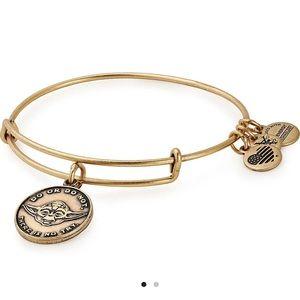 NWT Alex & Ani Disney Star Wars Yoda Gold Bracelet